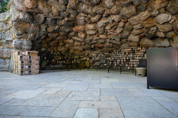 Natural Stone Pavers Complement The Beauty Of The Grotto Latest Ndworks University Of Notre Dame